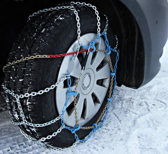 Najpopularniejsze problemy z samochodem zimą - jak sobie z nimi poradzić?