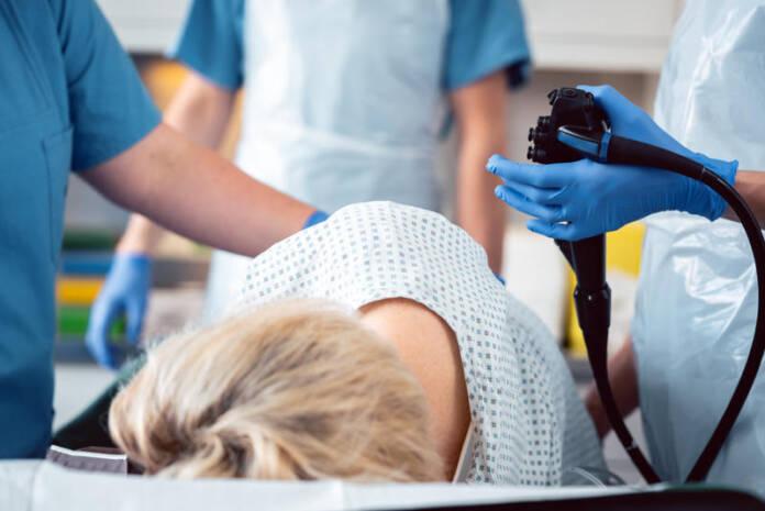 Pacjentka podczas kolonoskopii